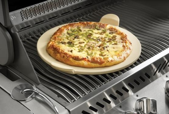 Napoleon PRO Pizzastein mit Pizzaschneider - 70001